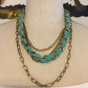 Jewelry - Vintage gold tone layered chain ribbon necklace